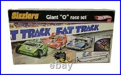2006 Hot Wheels SIZZLERS Fat Track Giant O Race Set Fully Complete with 3 Cars