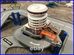 Complete Hot Wheels 1998 Americas Highway Deluxe Set RARE! Gray Tracks Playset