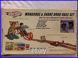 Hot Wheels Classics Mongoose & Snake Drag Race Set Complete With2 Cars Extra Track