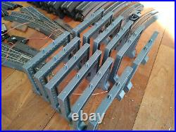 Life-like power-loc track lot+ cars, station and house, fair condition, used
