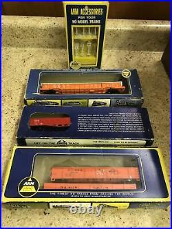 Lionel Ho Gauge Train Set + Extras, 3 Engines, 12 Cars, 2 Transformers, Track