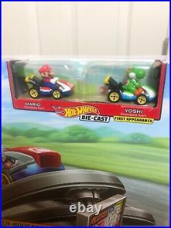 NEW Hot Wheels Mario Kart Mario Circuit Track Set