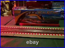 Scalextric 132 analog Slot Car Track Samurai set. 4 cars wireless