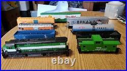 Vintage Tyco Train Set Burlington Engine HO Scale Track Cars Controller
