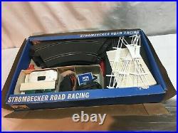 Vtg 1960s Strombecker Racing Slot Car Set Model 9935 Cars 14 pc Track Layout